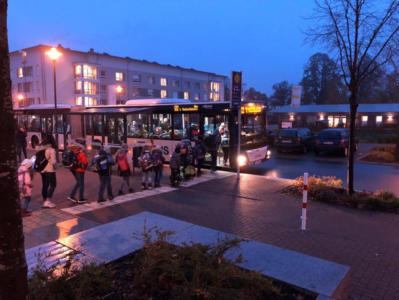 Seelze-Süd: Sind die Schulbusse zu voll? Kind hat Beklemmungen im vollen Schulbus - Seelze City News - Seelze City News